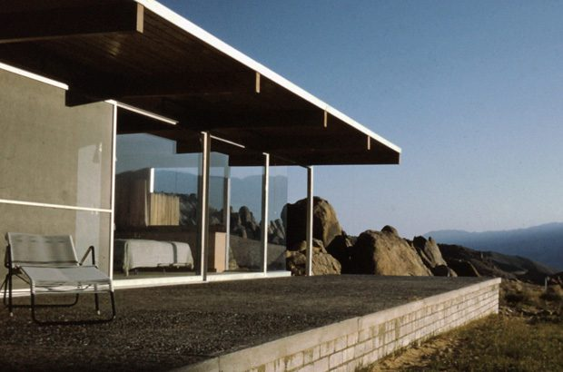 Interview-with-Mike-Dorsey,-Director-of-The-Oyler-House--Richard-Neutra's-Desert-Retreat-2