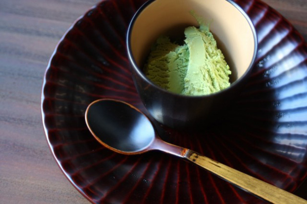 Vessels-and-Spoons-by-Fushimi-Lacquer-Workshop-10