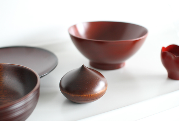 New-Lacquerware-in-the-Shop-by-Maiko-Okuno-2
