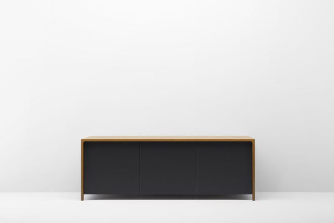Elegant-&-Modern-Furniture-Design-by-Terence-Woodgate-15