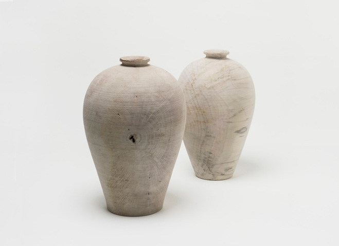 Inspired-by-Old-Pottery---Hand-Carved-Wooden-Objects-by-Hiroto-Nakanishi-2