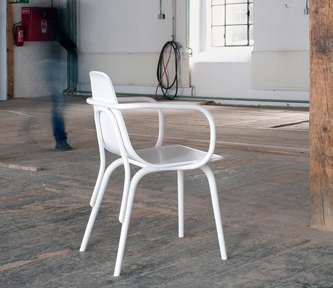 Making-of-the-TRAM-Chair-by-Thomas-Feichtner-for-TON-1