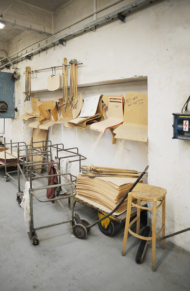 Making-of-the-TRAM-Chair-by-Thomas-Feichtner-for-TON-3