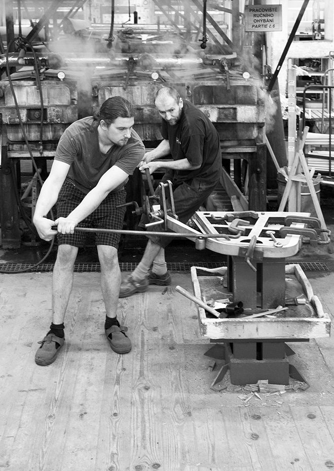 Making-of-the-TRAM-Chair-by-Thomas-Feichtner-for-TON-7