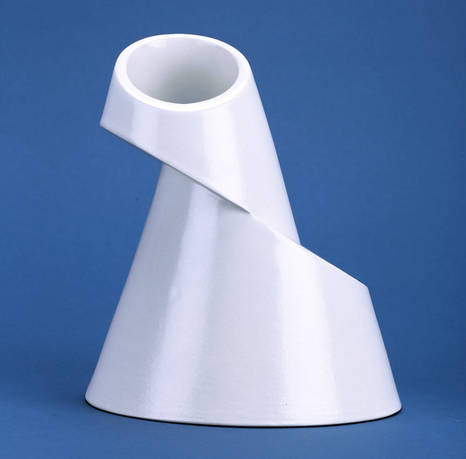 Altering-Traditional-Utilitarian-Forms---Ceramics-by-Ian-Aandersson-3