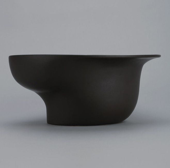 Altering-Traditional-Utilitarian-Forms---Ceramics-by-Ian-Aandersson-8