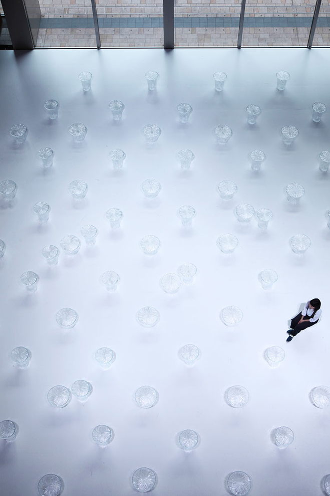 Experimenting-with-Light-&-Space---Art-by-Tokujin-Yoshioka-12