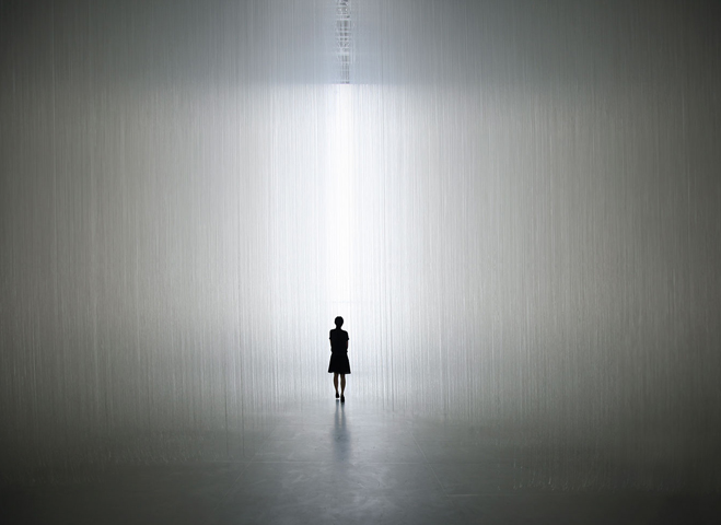 Experimenting-with-Light-&-Space---Art-by-Tokujin-Yoshioka-4