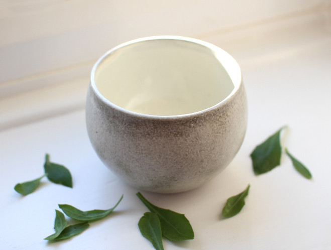 New Work from Japanese Potter Kana Tozuka at OEN Shop 2