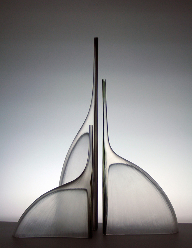 Sculptural-Glass-Vases-by-Glassblower-Devin-Burgess-1