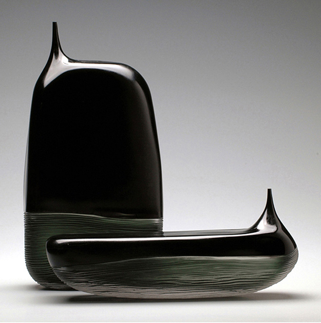 Sculptural-Glass-Vases-by-Glassblower-Devin-Burgess-2