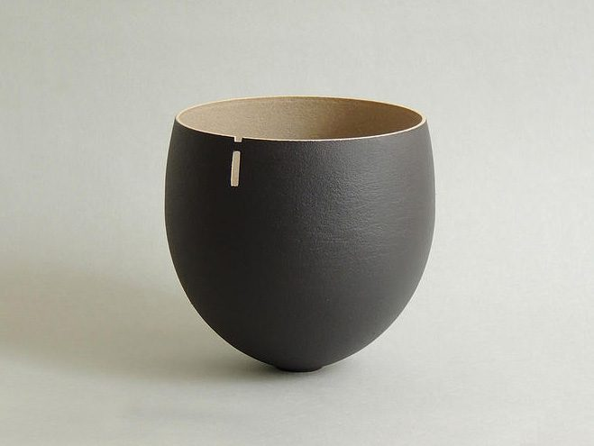 Monolithic-Ceramic-Forms-by-Anne-Soline-Barbaux-2