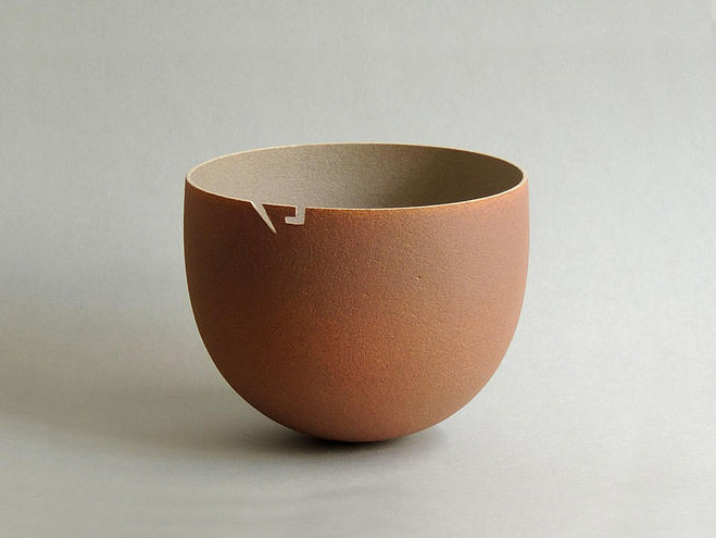 Monolithic-Ceramic-Forms-by-Anne-Soline-Barbaux-3