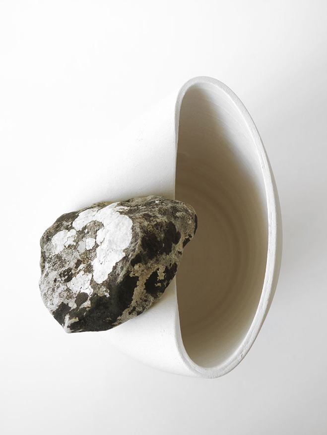 Vases-with-Stone---Unique-Vases-Produced-by-Martin-Azua-&-Marc-Vidal-10