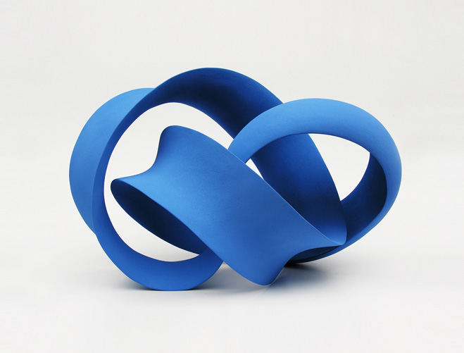 Stretching-&-Curling---Complex-Ceramic-Forms-by-Merete-Rasmussen-2