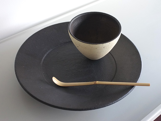 Pottery for a Modern Lifestyle - New Works at OEN Shop by Shinobu Hashimoto 7