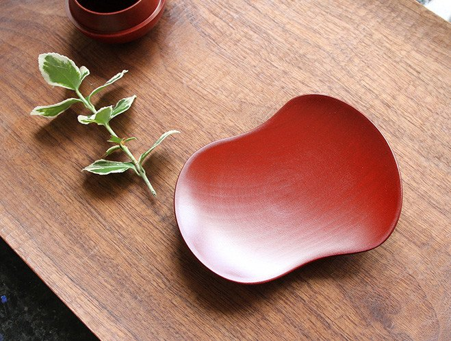 Objects that Glimmer - Lacquerware by Maiko Okuno at OEN Shop 6