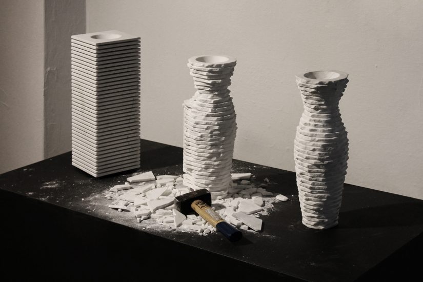 marble-vases-introverso-staggered-stone-objects-by-moreno-ratti-10