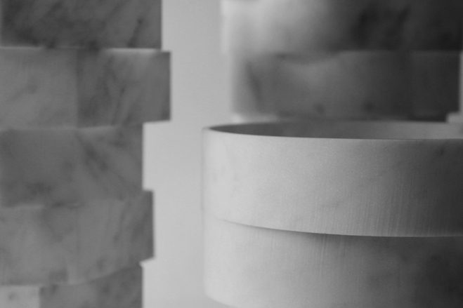 marble-vases-introverso-staggered-stone-objects-by-moreno-ratti-9