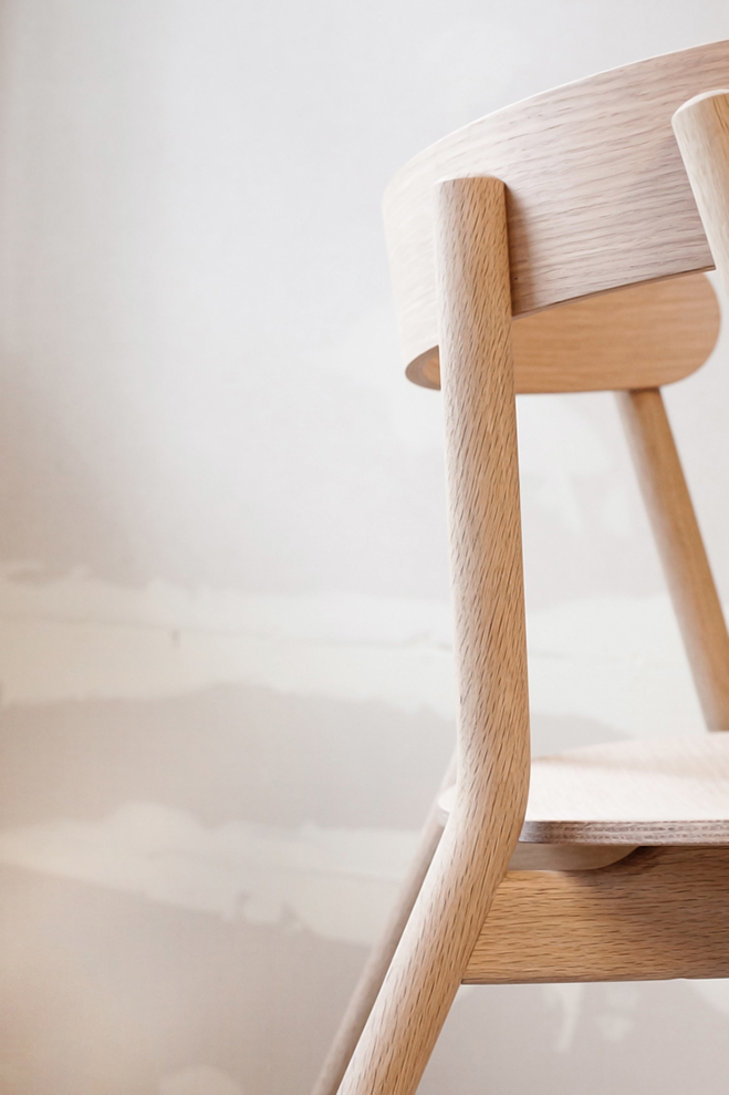 Kil-&-Oki---Oak-Table-and-Chair-by-Furniture-Designer-Stine-Aas-3